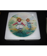 WEDGWOOD/ VICKERS collector plate