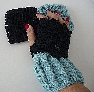 Black and Soft Sage Fingerless Gloves/crochet/handmade/gift/women/glovelettes