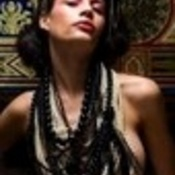 Picture_of_women_with_necklaces_thumb175