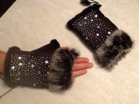 Fingerless Fashion Gloves w/Studs