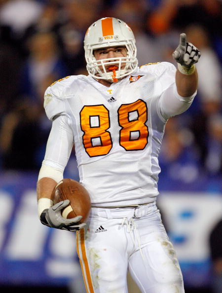 LEXINGTON, KY - NOVEMBER 28:  Luke Stocker #88 of the Tennessee Volunteers celebrates after scoring a touchdown during the SEC game against the Kentucky Wildcats at Commonwealth Stadium on November 28, 2009 in Lexington, Kentucky.  (Photo by Andy Lyons/Getty Images)