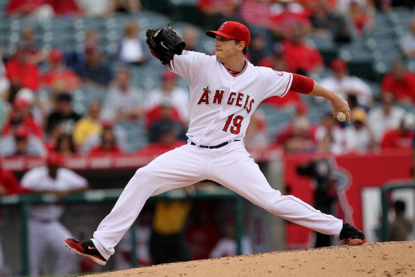 ANAHEIM, CA - SEPTEMBER 08:  Scott Zazmir #19 of the Los Angeles Angels of Anaheim throws a pitch against the Cleveland Indians on September 8, 2010 at Angel Stadium in Anaheim, California.  (Photo by Stephen Dunn/Getty Images)