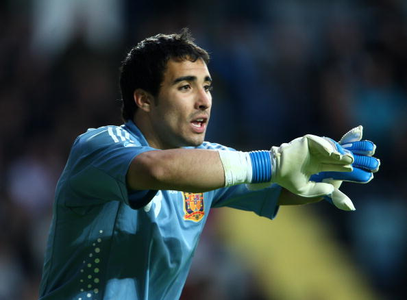 GOTHENBURG, SWEDEN - JUNE 18:  Sergio Asenjo of Spain during the UEFA U21 European Championships match between England and Spain at the Gamia Ullevi on June 18, 2009 in Gothenburg, Sweden.  (Photo by Phil Cole/Getty Images)