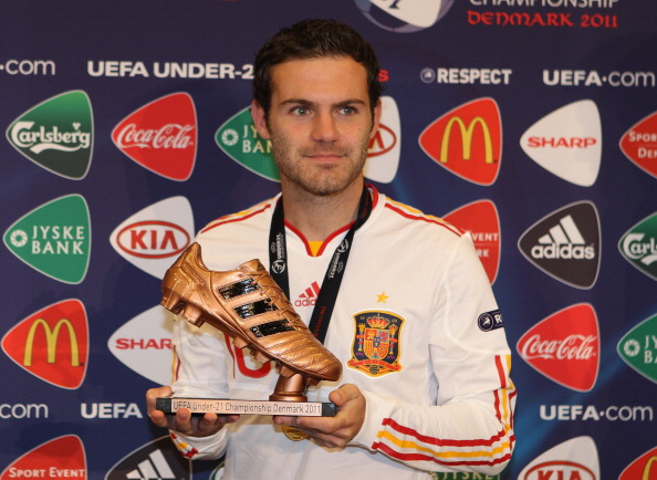 ARHUS, DENMARK - JUNE 25:  Juan Mata  of Spain receives the bronze boot after the UEFA European Under-21 Championship Final match between Spain and Switzerland at the Arhus Stadium on June 25, 2011 in Arhus, Denmark.  (Photo by Michael Steele/Getty Images)