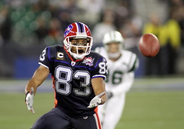TORONTO - DECEMBER 3:  Lee Evans #83 of the Buffalo Bills looks to catch the ball during their NFL game against the New York Jets on December 3, 2009  at Rogers Centre in Toronto, Ontario, Canada. The Jets defeated the Bills 19-13. (Photo by Rick Stewart/Getty Images)