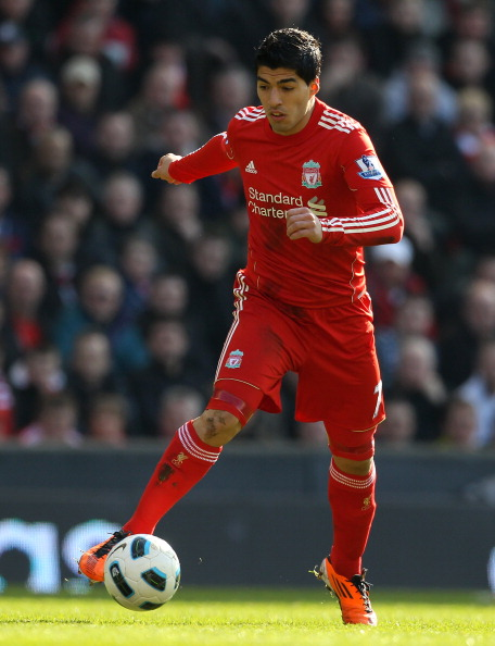 LIVERPOOL, ENGLAND - MARCH 06:   Luis Suarez of Liverpool in action during the Barclays Premier League match between Liverpool and Manchester United at Anfield on March 6, 2011 in Liverpool, England.  (Photo by Alex Livesey/Getty Images)