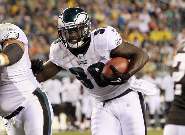 PHILADELPHIA, PA - AUGUST 25:  Ronnie Brown #36 of the Philadelphia Eagles in action against the Cleveland Browns during their pre season game on August 25, 2011 at Lincoln Financial Field in Philadelphia, Pennsylvania.  (Photo by Jim McIsaac/Getty Images)