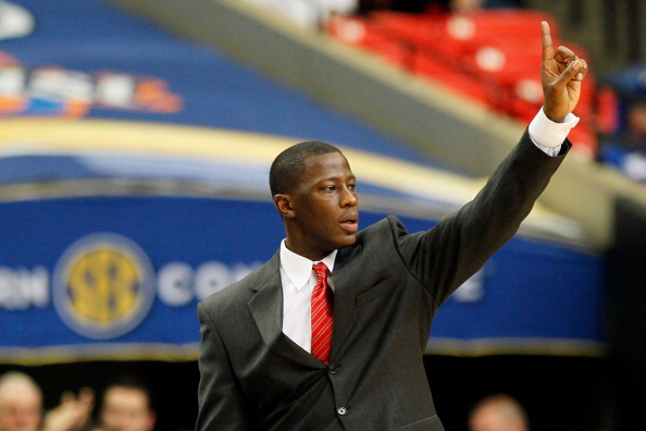 ATLANTA, GA - MARCH 12:  Head coach Anthony Grant of the Alabama Crimson Tide coaches against the Kentucky Wildcats during the semifinals of the SEC Men's Basketball Tournament at Georgia Dome on March 12, 2011 in Atlanta, Georgia.  (Photo by Kevin C. Cox/Getty Images)
