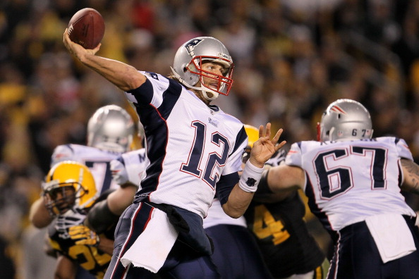 PITTSBURGH - NOVEMBER 14:  Tom Brady #12 of the New England Patriots throws a pass against the Pittsburgh Steelers on November 14, 2010 at Heinz Field in Pittsburgh, Pennsylvania.  (Photo by Chris McGrath/Getty Images)