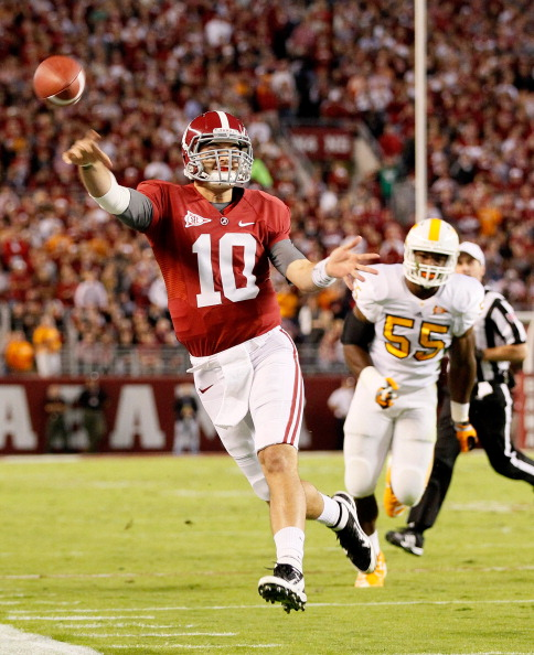 TUSCALOOSA, AL - OCTOBER 22:  AJ McCarron #10 of the Alabama Crimson Tide against the Tennessee Volunteers at Bryant-Denny Stadium on October 22, 2011 in Tuscaloosa, Alabama.  (Photo by Kevin C. Cox/Getty Images)