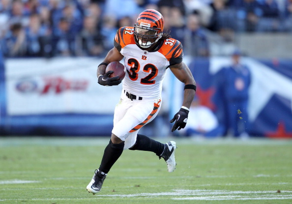 NASHVILLE, TN - NOVEMBER 06:  Cedric Benson #32  of the Cincinnati Bengals runs with the ball during the NFL game against the Tennessee Titans at LP Field on November 6, 2011 in Nashville, Tennessee.  The Bengals won 24-17.  (Photo by Andy Lyons/Getty Images)