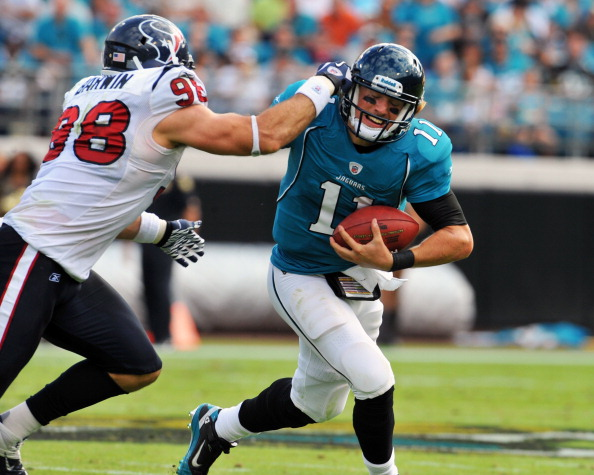 JACKSONVILLE, FL - NOVEMBER 27:  Linebacker Connor Barwin #98 of the Houston Texans pressures quarterback Blaine Gabbert #11 of the Jacksonville Jaguars November 27, 2011 at EverBank Field in Jacksonville, Florida. (Photo by Al Messerschmidt/Getty Images)