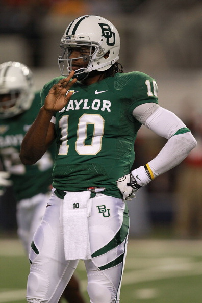 ARLINGTON, TX - NOVEMBER 26:  Robert Griffin III #10 of the Baylor Bears at Cowboys Stadium on November 26, 2011 in Arlington, Texas.  (Photo by Ronald Martinez/Getty Images)