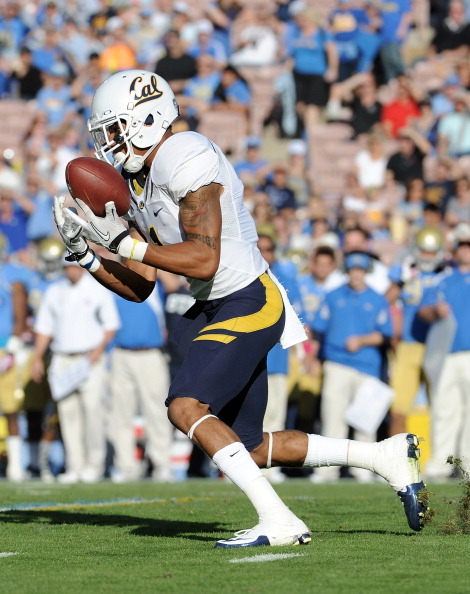 PASADENA, CA - OCTOBER 29:  Marvin Jones #1 of the California Golden Bears returns the ball against the UCLA Bruins at Rose Bowl on October 29, 2011 in Pasadena, California.  (Photo by Harry How/Getty Images)