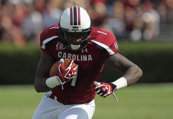 COLUMBIA, SC - OCTOBER 08:  Alshon Jeffery #1 of the South Carolina Gamecocks celebrates runs with the ball during their game against the Kentucky Wildcats at Williams-Brice Stadium on October 8, 2011 in Columbia, South Carolina.  (Photo by Streeter Lecka/Getty Images)