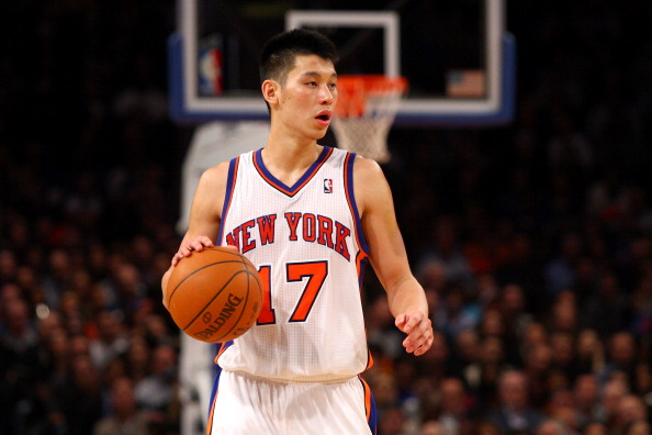 NEW YORK, NY - FEBRUARY 10:  Jeremy Lin #17 of the New York Knicks brings the ball up court against the Los Angeles Lakers at Madison Square Garden on February 10, 2012 in New York City.  NOTE TO USER: User expressly acknowledges and agrees that, by downloading and or using this photograph, User is consenting to the terms and conditions of the Getty Images License Agreement.  (Photo by Chris Chambers/Getty Images)