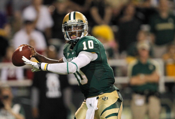 WACO, TX - NOVEMBER 19:  Robert Griffin III #10 of the Baylor Bears looks to pass during a game against the Oklahoma Sooners at Floyd Casey Stadium on November 19, 2011 in Waco, Texas. The Baylor Bears defeated the Oklahoma Sooners 45-38.  (Photo by Sarah Glenn/Getty Images)