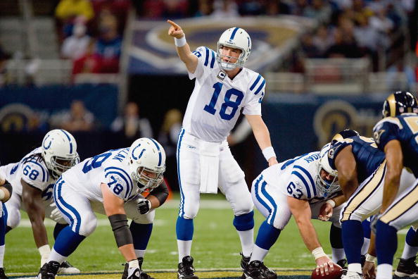ST. LOUIS, MO - OCTOBER 25: Quarterback Peyton Manning #18 of the Indianapolis Colts calls the play at the line against the St. Louis Rams at the Edward Jones Dome on October 25, 2009 in St. Louis, Missouri.  (Photo by Dilip Vishwanat/Getty Images)