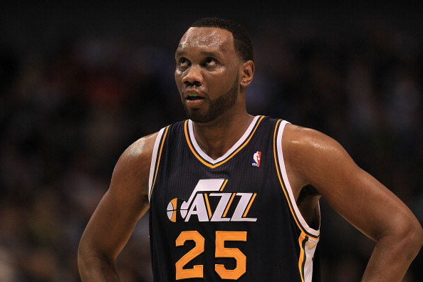 DALLAS, TX - FEBRUARY 23:  Forward Al Jefferson #25 of the Utah Jazz at American Airlines Center on February 23, 2011 in Dallas, Texas.  NOTE TO USER: User expressly acknowledges and agrees that, by downloading and or using this photograph, User is consenting to the terms and conditions of the Getty Images License Agreement.  (Photo by Ronald Martinez/Getty Images)