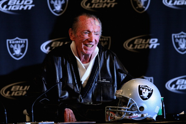 ALAMEDA, CA - JANUARY 18:  Oakland Raiders owner Al Davis speaks during a press conference on January 18, 2011 in Alameda, California. Hue Jackson was introduced as the new coach of the Oakland Raiders, replacing the fired Tom Cable.  (Photo by Justin Sullivan/Getty Images)