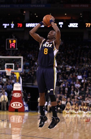 OAKLAND, CA - JANUARY 07:  Josh Howard #8 of the Utah Jazz in action against the Golden State Warriors at Oracle Arena on January 7, 2012 in Oakland, California.  NOTE TO USER: User expressly acknowledges and agrees that, by downloading and or using this photograph, User is consenting to the terms and conditions of the Getty Images License Agreement.  (Photo by Ezra Shaw/Getty Images)