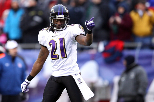 FOXBORO, MA - JANUARY 22:  Lardarius Webb #21 of the Baltimore Ravens reacts after a play against the New England Patriots during their AFC Championship Game at Gillette Stadium on January 22, 2012 in Foxboro, Massachusetts.  (Photo by Elsa/Getty Images)