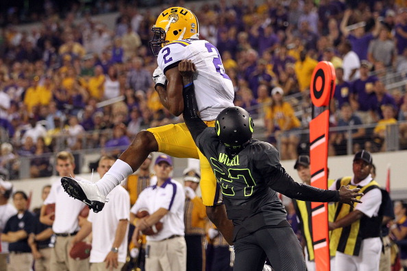 ARLINGTON, TX - SEPTEMBER 03:  Rueben Randle #2 of the LSU Tigers makes a touchdown pass reception against Terrance Mitchell #27 of the Oregon Ducks at Cowboys Stadium on September 3, 2011 in Arlington, Texas.  (Photo by Ronald Martinez/Getty Images)