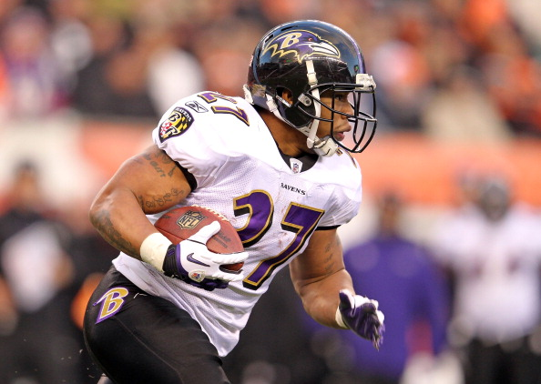 CINCINNATI, OH - JANUARY 01:  Ray Rice #27 of the Baltimore Ravens runs with the ball during the NFL game against  the Cincinnati Bengals at Paul Brown Stadium on January 1, 2012 in Cincinnati, Ohio.  (Photo by Andy Lyons/Getty Images)