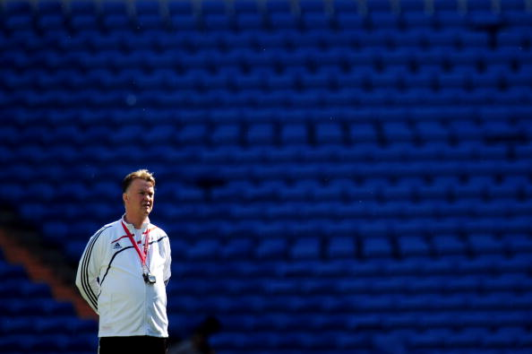MADRID, SPAIN - MAY 21:  Coach Louis van Gaal looks on during the Bayern Munich training session prior to the UEFA Champions League Final match versus Inter Milan at the Estadio Santiago Bernabeu on May 21, 2010 in Madrid, Spain.  (Photo by Shaun Botterill/Getty Images)