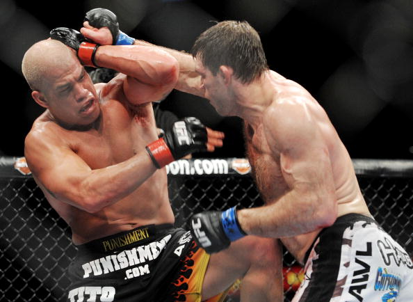 LAS VEGAS - NOVEMBER 21: Tito Ortiz (L) battles Forrest Griffin (R) during their Light Heavyweight Fight at the UFC 106 at Mandalay Bay Events Center on November 21, 2009 in Las Vegas, Nevada. (Photo by Jon Kopaloff/Getty Images)