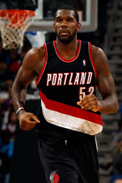 NEW ORLEANS - NOVEMBER 13:  Greg Oden #52 of the Portland Trail Blazers runs down the court against the New Orleans Hornets at the New Orleans Arena on November 13, 2009 in New Orleans, Louisiana.  NOTE TO USER: User expressly acknowledges and agrees that, by downloading and/or using this Photograph, User is consenting to the terms and conditions of the Getty Images License Agreement.(Photo by Chris Graythen/Getty Images)