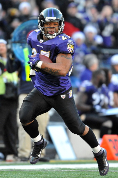 BALTIMORE - DECEMBER 24:  Ray Rice #27 of the Baltimore Ravens runs the ball in for a touchdown after a catch against the Cleveland Browns at M&T Bank Stadium on December 24, 2011 in Baltimore, Maryland. The Ravens defeated the Browns 20-14. (Photo by Larry French/Getty Images)