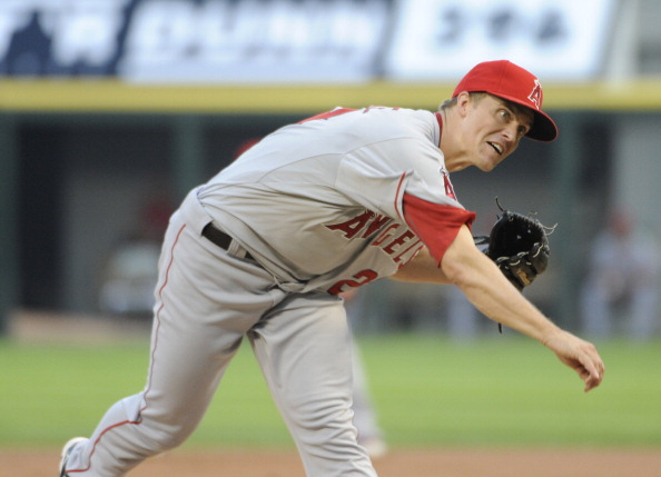 CHICAGO, IL - AUGUST 03: Zack Greinke #23 of the Los Angeles Angels of Anaheim pitches against the Chicago White Sox in the first inning on August 3, 2012 at U.S. Cellular Field in Chicago, Illinois. (Photo by David Banks/Getty Images)