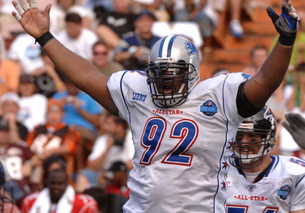Detroit Lions defensive tackle Shaun Rogers signals a sack by the NFC  February 12, 2006 at the Pro Bowl  at Aloha Stadium in Honolulu. (Photo by Al Messerschmidt/Getty Images)