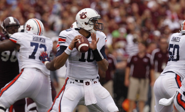 STARKVILLE, MS - SEPTEMBER 08:  Quarterback Kiehl Frazier #10 of the Auburn Tigers looks for a receiver in the first quarter of a NCAA college football game against Mississippi State Bulldogs on September 8, 2012 at Davis Wade Stadium in Starkville, Mississippi. (Photo by Butch Dill/Getty Images)