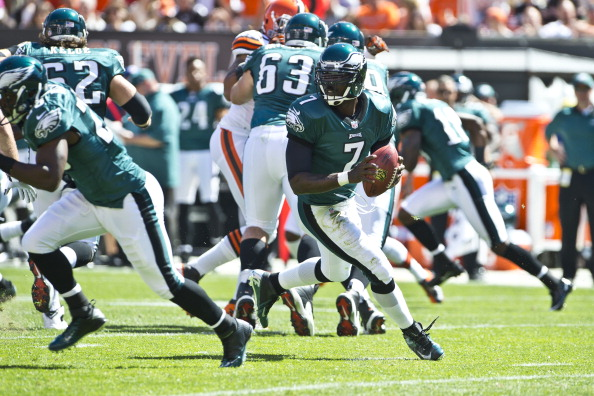 CLEVELAND, OH - SEPTEMBER 9: Quarterback Michael Vick #7 of the Philadelphia Eagles drops back for a pass during the first quarter against the Cleveland Browns at Cleveland Browns Stadium on September 9, 2012 in Cleveland, Ohio. (Photo by Jason Miller/Getty Images)