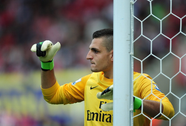 STOKE ON TRENT, ENGLAND - AUGUST 26: Vito Mannone of Arsenal show in action during the Barclays Premier League match between Stoke City and Arsenal at The Britannia Stadium on August 26, 2012 in Stoke on Trent, England.  (Photo by Laurence Griffiths/Getty Images)