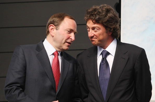MONTREAL, QC - JUNE 26: (L-R) Gary Bettman of the NHL and Daryl Katz of the Edmonton Oilers photographed during the first round of the 2009 NHL Entry Draft at the Bell Centre on June 26, 2009 in Montreal, Quebec, Canada. (Photo by Bruce Bennett/Getty Images)