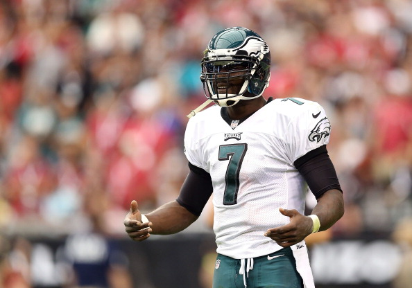 GLENDALE, AZ - SEPTEMBER 23:  Quarterback Michael Vick #7 of the Philadelphia Eagles during the NFL game against the Arizona Cardinals at the University of Phoenix Stadium on September 23, 2012 in Glendale, Arizona. The Carindals defeated the Eagles 27-6.  (Photo by Christian Petersen/Getty Images)