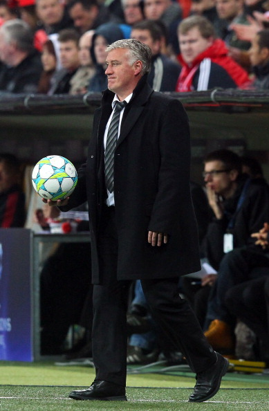 MUNICH, GERMANY - APRIL 03: Didier Deschamps, head coach of Marseille reacts during the UEFA Champions League quarter-final second leg match at Allianz Arena on April 3, 2012 in Munich, Germany.  (Photo by Martin Rose/Bongarts/Getty Images)