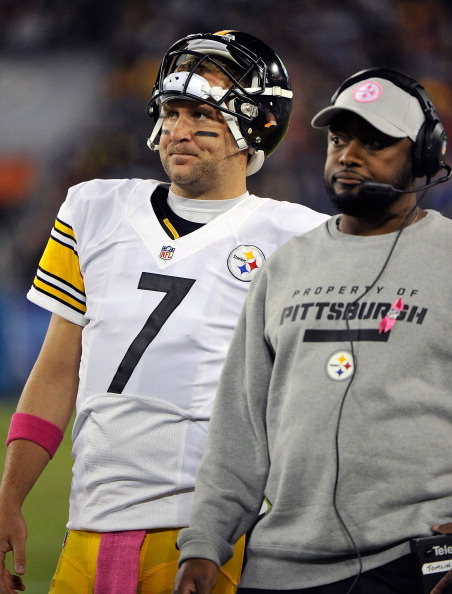 NASHVILLE, TN - OCTOBER 11:  Quarterback Ben Roethlisberger #7 and head coach Mike Tomlin of the Pittsburgh Steelers react to a play against the Tennessee Titans at LP Field on October 11, 2012 in Nashville, Tennessee.  (Photo by Frederick Breedon/Getty Images)