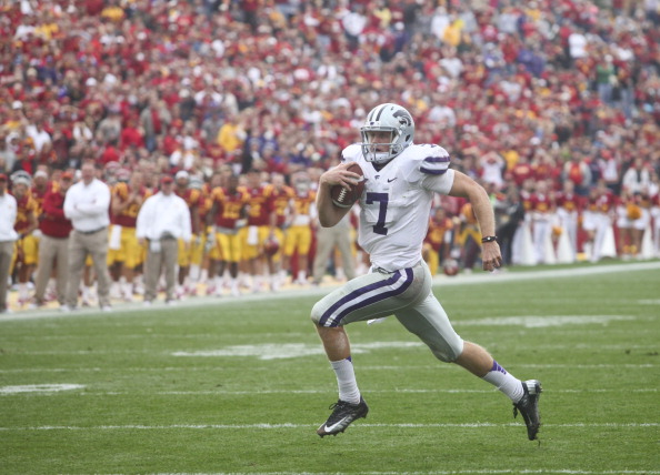 AMES, IA- OCTOBER 13:  Quarterback Collin Klein #7 of the Kansas State Wildcats rushes down field in the third quarter  on a touchdown run against the Iowa State Cyclones on October 13, 2012 at Jack Trice Stadium in Ames, Iowa.  Kansas State defeated Iowa State 27-21.  (Photo by Matthew Holst/Getty Images)