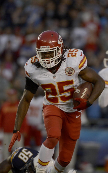 SAN DIEGO, CA - NOVEMBER 1: Jamaal Charles #25 of the Kansas City Chiefs runs the ball against the San Diego Chargers on November 1, 2012 at Qualcomm Stadium in San Diego, California. (Photo by Donald Miralle/Getty Images)