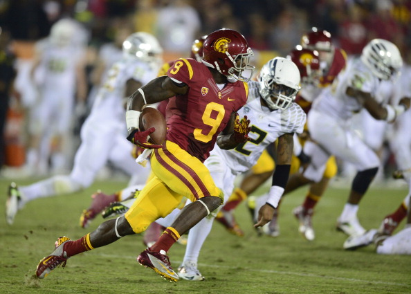 LOS ANGELES, CA - NOVEMBER 03:  Marqise Lee #9 of the USC Trojans runs with ball during the game against the Oregon Ducks at Los Angeles Memorial Coliseum on November 3, 2012 in Los Angeles, California.  (Photo by Robert Laberge/Getty Images)