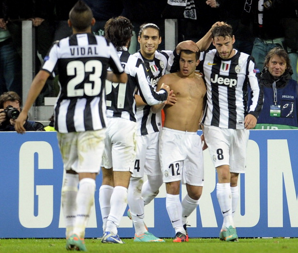 TURIN, ITALY - NOVEMBER 20:  Sebastian Giovinco of Juventus FC (2nd R) os congratulated by team-mates after scoring their team's third goal during the UEFA Champions League Group E match between Juventus and Chelsea FC at Juventus Arena on November 20, 2012 in Turin, Italy.  (Photo by Claudio Villa/Getty Images)