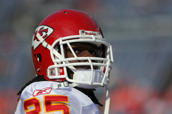 DENVER - NOVEMBER 14:  Running back Jamaal Charles #25 of the Kansas City Chiefs warms up prior to facing the Denver Broncos at INVESCO Field at Mile High on November 14, 2010 in Denver, Colorado. The Broncos defeated the Chiefs 49-29.  (Photo by Doug Pensinger/Getty Images)