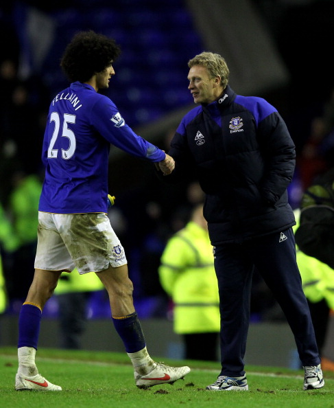 LIVERPOOL, ENGLAND - JANUARY 27:  Marouane Fellaini of Everton is congratulated by his Manager David Moyes at the end of the FA Cup Fourth Round match between Everton and Fulham at Goodison Park on January 27, 2012 in Liverpool, England.  (Photo by Alex Livesey/Getty Images)