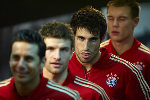 VALENCIA, SPAIN - NOVEMBER 20:  Javi Martinez of Bayern Muenchen looks on before the UEFA Champions League group F match between Valencia CF and FC Bayern Muenchen at Estadio Mestalla on November 20, 2012 in Valencia, Spain.  (Photo by Manuel Queimadelos Alonso/Getty Images)