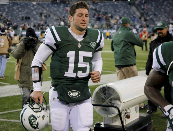 EAST RUTHERFORD, NJ - DECEMBER 23: Tim Tebow #15 of the New York Jets leaves the field after loss to San Diego Chargers at MetLife Stadium on December 23, 2012 in East Rutherford, New Jersey. (Photo by Jeff Zelevansky /Getty Images)