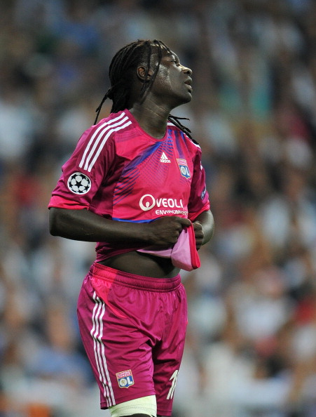 MADRID, SPAIN - OCTOBER 18:  Bafetimbi Gomis of Olympique Lyonnais reacts after failing to score during the UEFA Champions League group D match between Real Madrid and Olympique Lyonnais at the Estadio Santiago Bernabeu on October 18, 2011 in Madrid, Spain.  (Photo by Jasper Juinen/Getty Images)